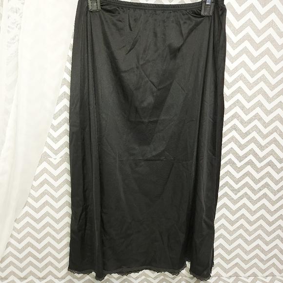 Vintage vanity fair half slip black  size 2XL